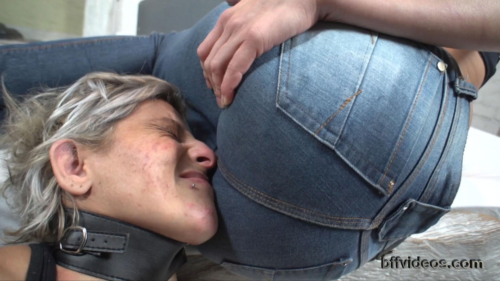Rough Lesbian Face Fucking